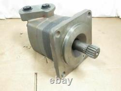 192150 Old-Stock, Eaton 121-1009-004 Char-Lynn Hydraulic Motor, 4-Bolt Flange