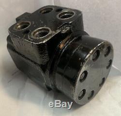 Char Lynn John Deere AL69802 Hydraulic Steering Motor GS41100C 262 1001 073