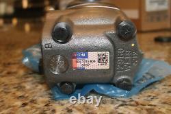 EATON CHAR-LYNN HYDRAULIC MOTOR. (No original box)
