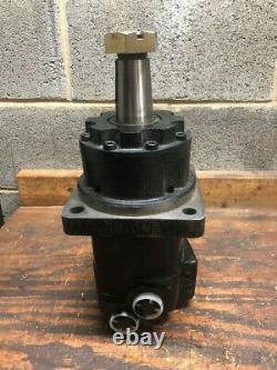 Eaton 4K-395 Char-Lynn Hydraulic Motor New