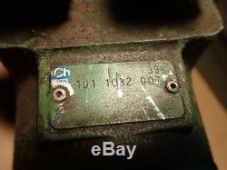 Eaton Char-Lynn 101-1032-007 Hydraulic Motor 1 Shaft, Used in Good Condition