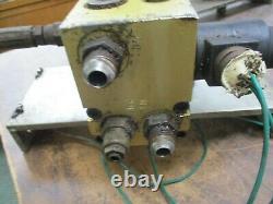 Eaton Char-Lynn Hydraulic Motor 158-400-001 Displacement 2.2 Cubic In Per Rev