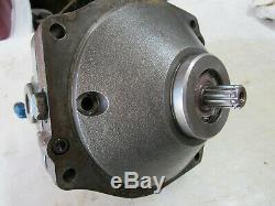 Ford LGT 165 Tractor Hydraulic Motor Hydro Eaton Transmission 1001 028 CCW