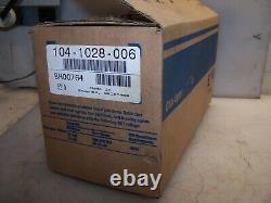 New Eaton 104-1028-006 Hydraulic Geroler Disc Valve Motor 1-1/4 Shaft