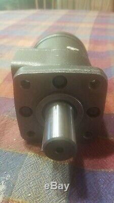 New / Opened Box EATON CHAR-LYNN 101-1001-007 Hydraulic Motor 4 Bolt H Series