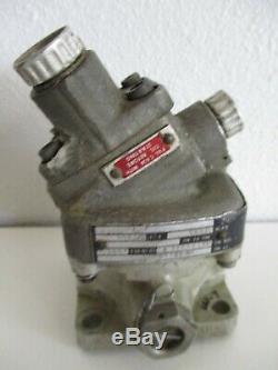 Vickers Eaton MF006B030A Hydraulic Motor
